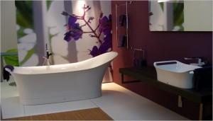 Behang je badkamer behang ide en tips en de nieuwste collecties behangwinkel - Behang in de badkamer ...