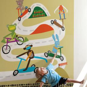 Een racebaan op de muur